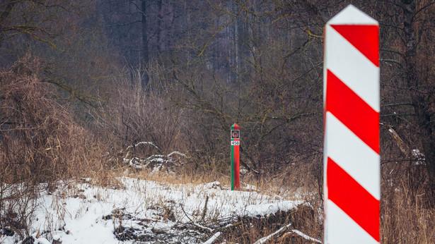 Słupy na granicy polsko-białoruskiej w województwie podlaskim
