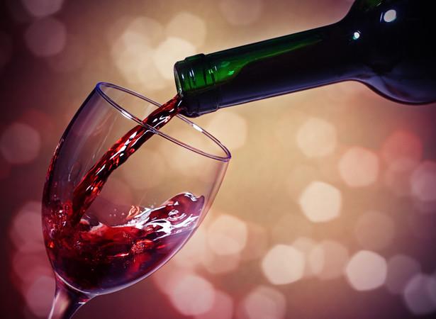 8 proc. rynku napojów alkoholowych w Polsce stanowią wino i miody pitne
