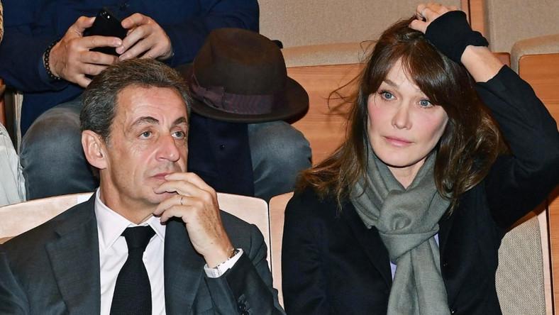 Była pierwsza para Francji pojawiła się wczoraj na konferencji prasowej poświęconej prezentacji autobiografii matki Carli...