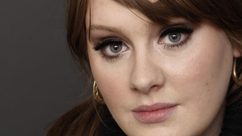 Adele wciąż niepokonana