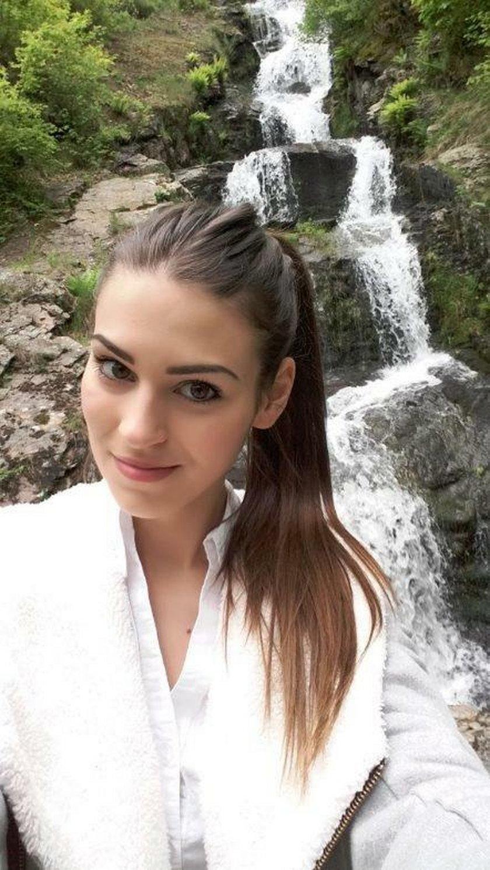 24-letnia hostessa i modelka Céline Fischer