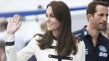 Księżna Kate postawiła na marynarski styl