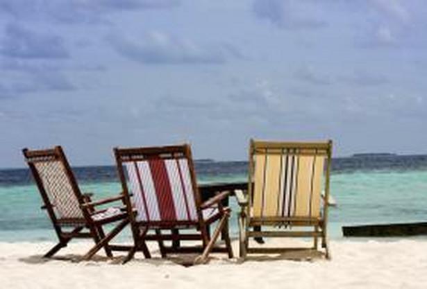 Klienci biur podróży, wyjeżdżając na wakacje, powinni zabrać ze sobą umowę, program imprezy, katalog oraz warunki uczestnictwa. Pomoże im to w sprawdzeniu, czy biuro wywiązuje się ze swoich zobowiązań