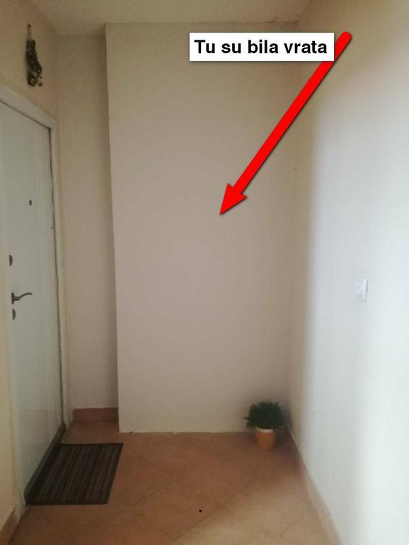 Mesto gde su bila ulazna vrata u stan