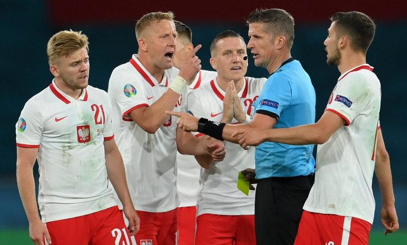 Daniele Orsato kilkoma decyzjami podpadł polskim piłkarzom