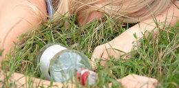 Pijana 14-latka leżała w parku. Nie było z nią kontaktu