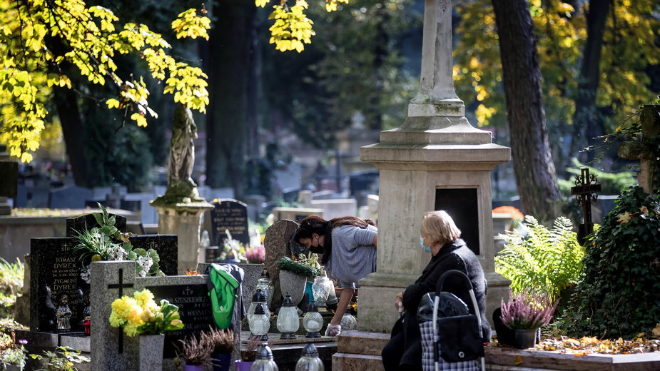 Cmentarze zostaną zamknięte? Decyzja w przyszłym tygodniu