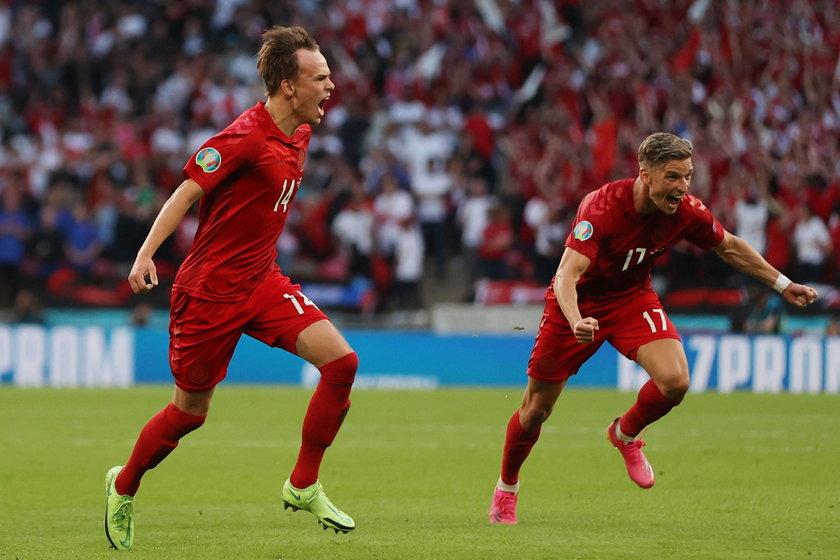atrząc jednak na to, co wyczyniał 21-latek w meczach mistrzostw Europy, można być pewnym, że Eriksen jest z niego dumny.