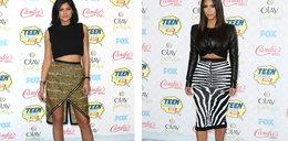 Która Kardashianka wygląda lepiej w crop topie?