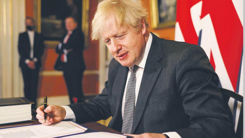 Pełny lockdown wprowadzony od wtorku przez premiera Borisa Johnsona nie ułatwi normalizacji stosunków handlowych między Wielką Brytanią a UE