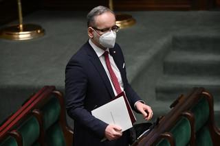 Niedzielski: Rząd jeszcze się nie zaszczepił, bo respektuje reguły, które sam przyjął