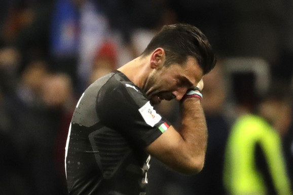 Đanluiđi Bufon u suzama