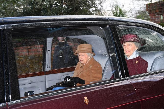 Kraljica Elizabeta danas u crkvi u Sandrigamu