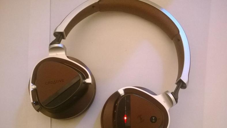 """To topowy model - bezprzewodowe słuchawki z wbudowanym mikrofonem z trzypoziomową redukcją szumów. Do tego wbudowany moduł NFC. Cena? """"Tylko"""" 300 euro. Pasmo przenoszenia10Hz ~ 25kHz Impedancja32ohms Czułość105dB/mW"""