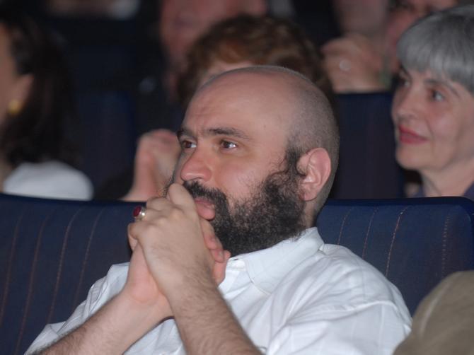 Smrt našeg reditelja šokirala glumce: Jedna među njima uputila mu je poruku koja je jača od tuge!