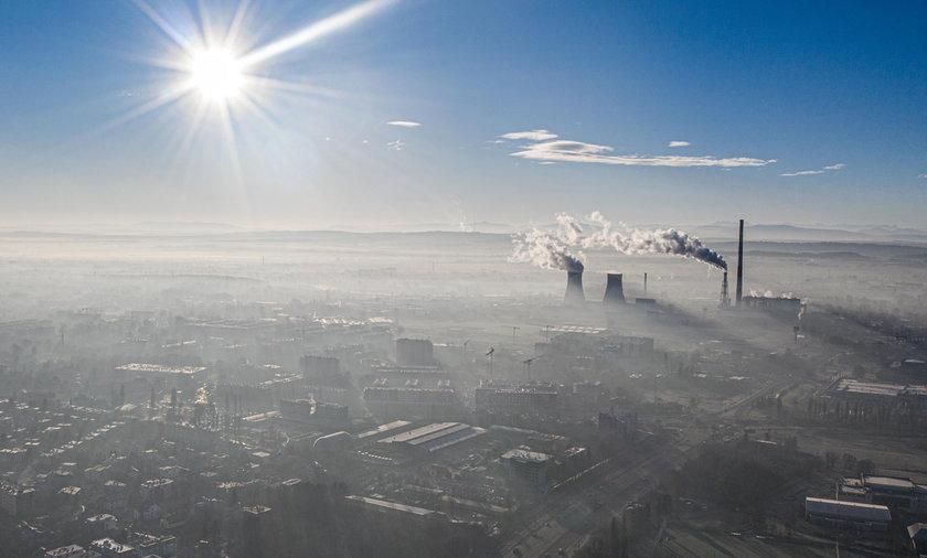 Na zdjęciu widok na Kraków w smogowy dzień.