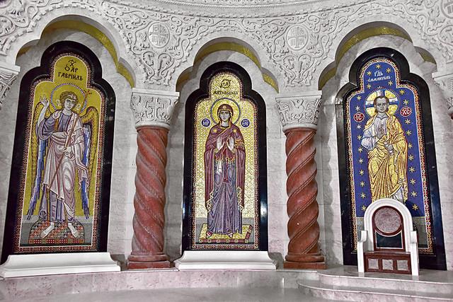 Hram je počeo da se gradi 1935, pa ponovo 1985, oba puta je gradnja prekidana zbog rata