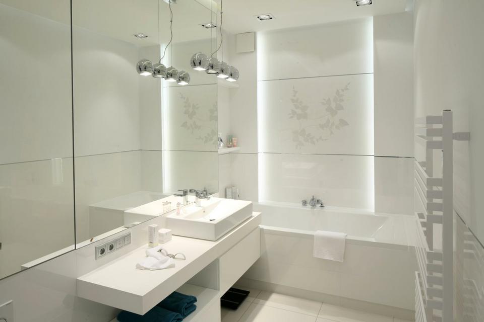 4. Oświetlenie umywalki. Projekt: Anna Maria Sokołowska