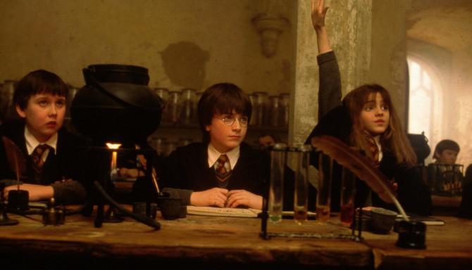Metju Luis kao mali čarobnjak Nevil