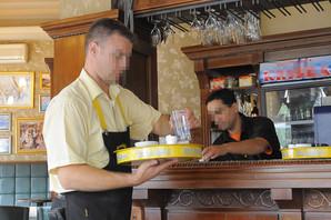 Srbiji nedostaju konobari i kuvari, svi otišli da rade sezonski