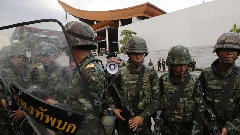Zamach stanu w Tajlandii. Godzina policyjna w całym kraju