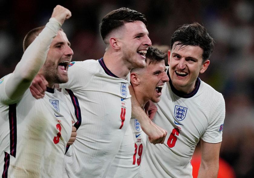 Anglicy, chociaż byli już mistrzami świata, to po raz pierwszy w historii dotarli do finału mistrzostw Europy.