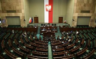 Tarcza 3.0: Sejm przyjął część poprawek Senatu. Zmiany m.in. w składkach ZUS dla samozatrudnionych