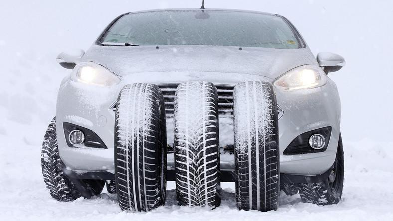 Samochód na śniegu
