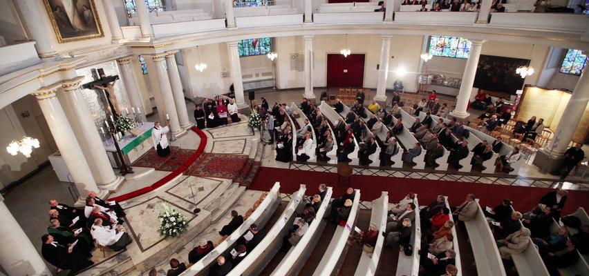 Już niedługo w Polsce kobiety będą księżmi. Rzeczniczka Kościoła Ewangelicko-Augsburskiego w rozmowie z Faktem: Dyskusje trwały ponad 70 lat!