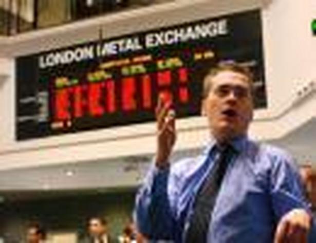 Kontrakt CFD umożliwia inwestowanie w papiery notowane na największych światowych giełdach, w najbardziej płynne pary walut – jak euro–dolar, w niektóre obligacje oraz w surowce, jak ropa naftowa, złoto czy choćby sok pomarańczowy