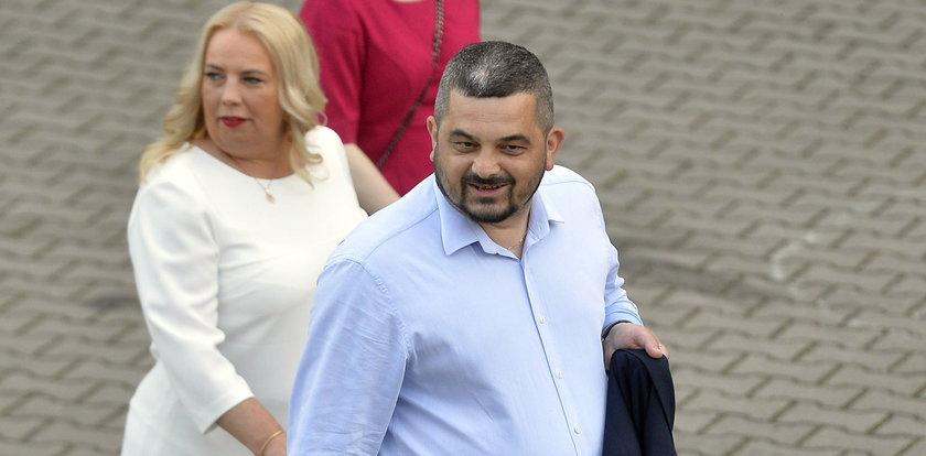 """Akcja Kaczyńskiego ws. wywalania """"tłustych kotów"""" zakończona miniczystką. Opozycja grzmi: 13 przypadków? Kpina! Oto lista 350"""