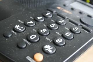 Umowy telekomów z konsumentami zawierają wiele niedozwolonych zapisów
