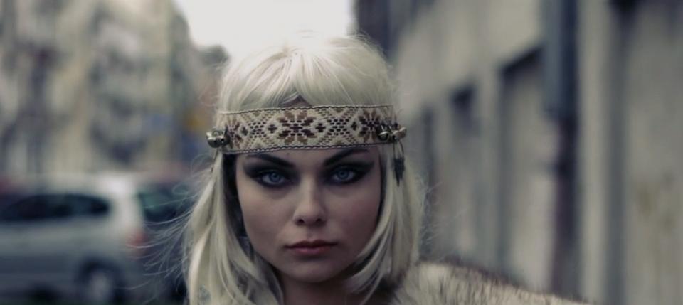 """Luxuria Astaroth (fot. kadr z teledysku """"Budź się"""")"""