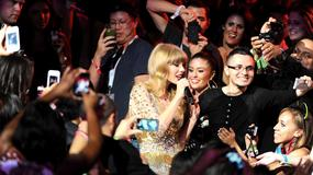 Taylor Swift śpiewa z Edem Sheeranem