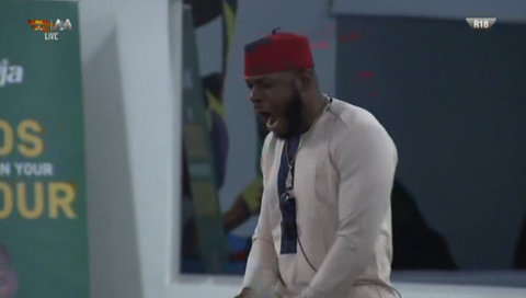 Cindy, Frodd, and Omashola all got cash gifts from music star, MC Galaxy on Tuesday, October 8, 2019.  [Twitter/BBNaija]