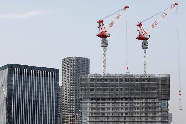 Wiceszef sejmowej komisji infrastruktury Janusz Piechociński twierdzi, że wina za obecny stan nie leży tylko po stronie firm budowlanych