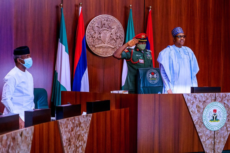 Ministries make presentations as President Muhammadu Buhari presides over virtual Federal Executive Council meeting with Vice President, Yemi Osinbajo in attendance. [Twitter/@BashirAhmaad]