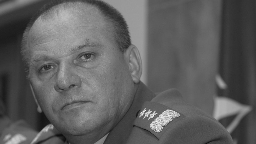 Gen. Edward Pietrzyk nie żyje. Były Dowódca Wojsk Lądowych miał 71 lat