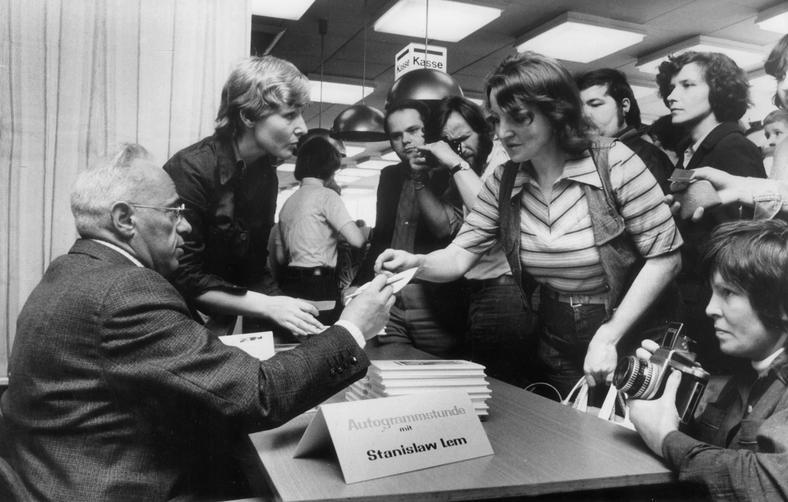 Stanisław Lem na spotkaniu z czytelnikami w Berlinie, 1977 rok