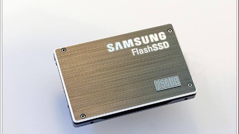 Samsung LR_256GB_SSD-m01
