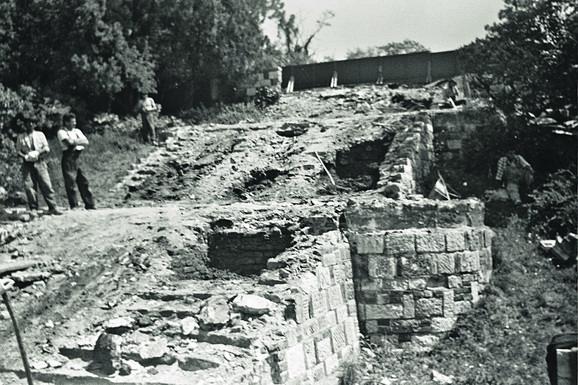 Fotografija velikog stepeništa iz 1989. godine (Zavod za zaštitu spomenika kulture grada Beograda)