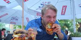 Rekord w jedzeniu burgera pobity!
