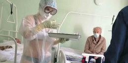 Pielęgniarka w tym stroju rozpaliła wyobraźnię i... dostała naganę