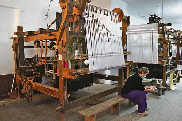 Zlatno doba ćilimarstva trajalo je do prve polovine 20. veka, kada je Stapar važio za najpoznatiji centar izrade ćilima u Bačkoj