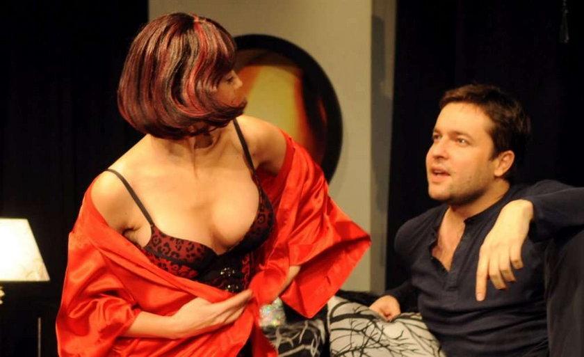 Olga Borys tłumaczy się z ogromnych piersi