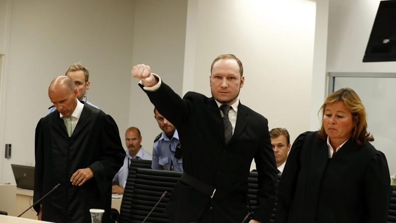 Norweg Anders Behring Breivik, który w zeszłorocznych zamachach terrorystycznych w Norwegii zabił 77 osób, został w piątek uznany za poczytalnego i skazany na co najmniej 21 lat więzienia - ogłosiła przewodnicząca składu sędziowskiego Wenche Elizabeth Arntzen.