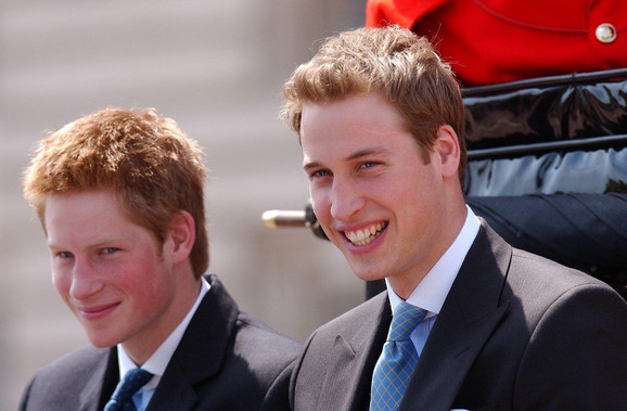 Kraljica je uhvatila mladog princa Vilijama pod svoje