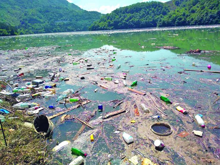 """Potpećko jezero, velika ekološka akcija """"Blica"""""""