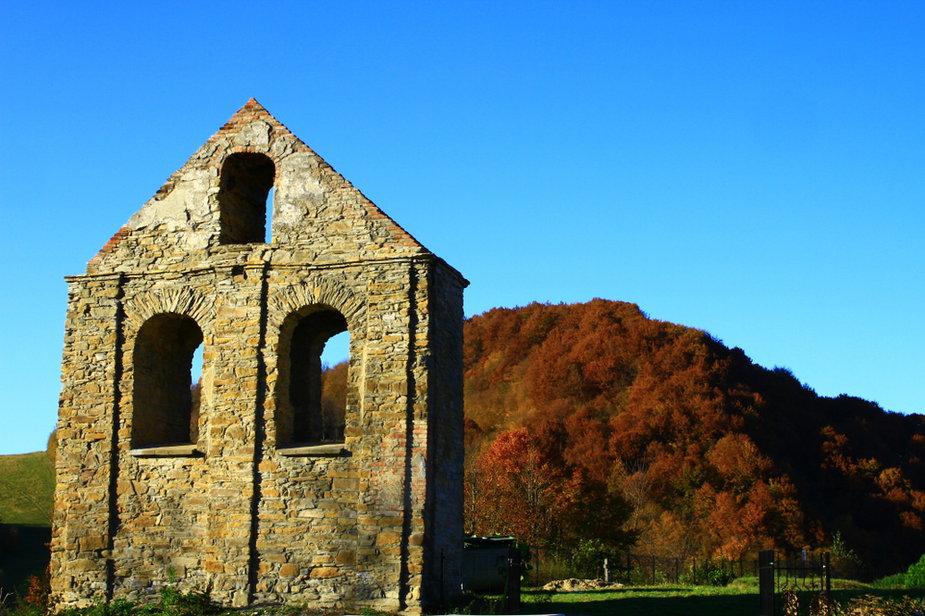 Ruiny świątyni, Bieszczady