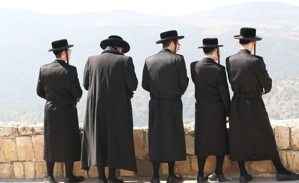 Ludzie zwykle prześladują innych, bo uważają ich za gorszych. Wydaje mi się, że Żydów prześladują ci, którzy sami czują się gorsi – mówi Janusz Konorski